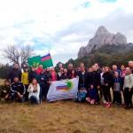 Судебные приставы установили флаг Службы на горе Караул-Оба